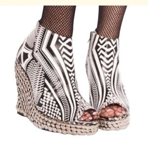 Jeffrey Campbell LE TICK Wedge